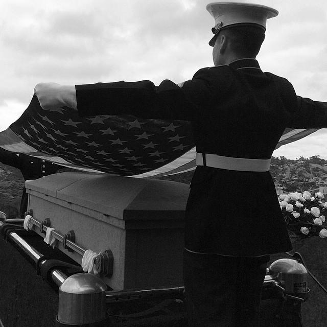 marinesflagburial